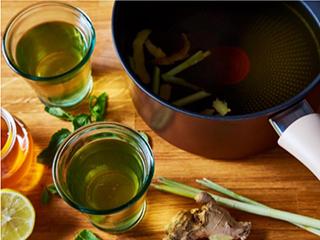 Verse thee met gemberschillen en citroengras